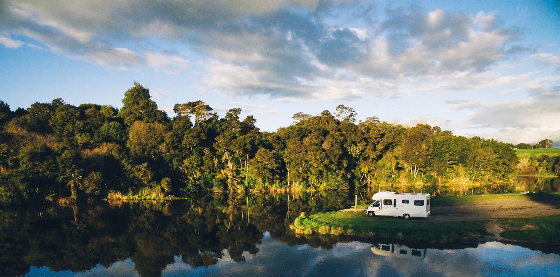 I pannelli solari per camper sono ideali per chi ama viaggiare e vuole autonomia energetica