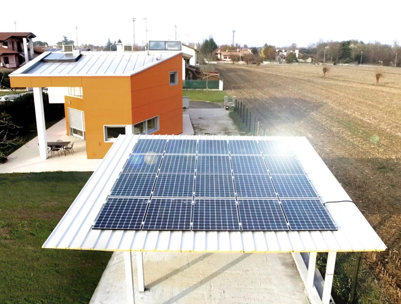 FreeSolar ha installato REACT2 in un'abitazione di Udine. Il proprietario desiderava una tecnologia all'avanguardia che gli permettesse di autoprodurre l'energia domestica con l'uso di risorse rinnovabili